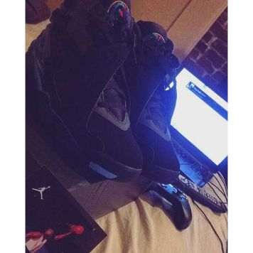 Had to get these Aqua 8's! Where them Yeezy's at tho? Anyone know? #KingFresh #YeezyBoost #Howard #Miami